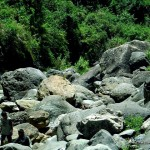 Boulders of rocks around Bomod-Ok Falls